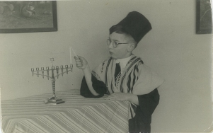 hijman lighting menorah