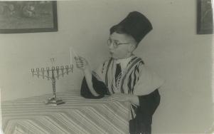 hijman lighting menorah